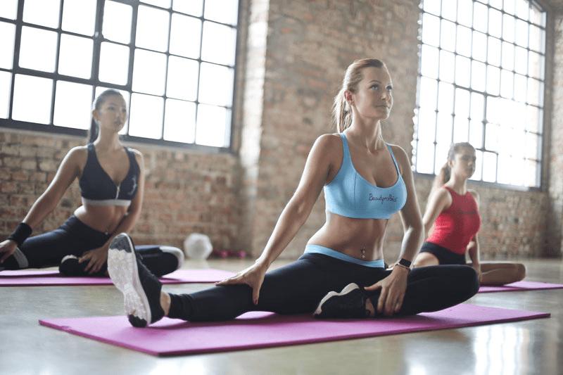 Dyrk nemt yoga i din egen bolig